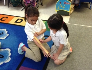 Kindergarten Students at Valverda Learn to Measure